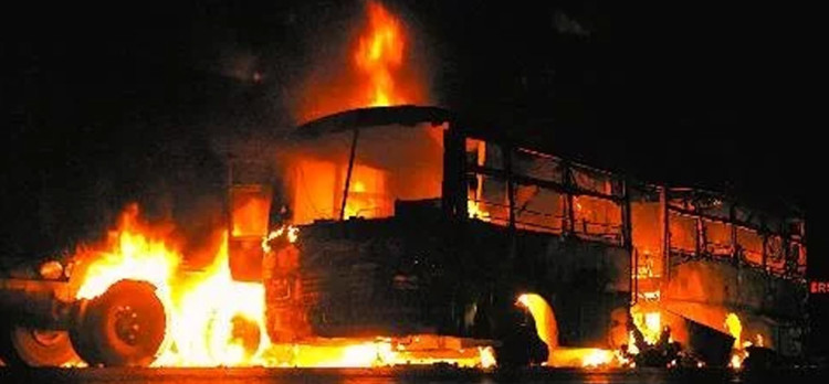 After fire, bus and truck fire, 18 passengers burnt alive