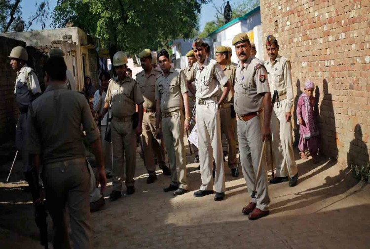 JOB VACANCIES IN UP POLICE FOR 12TH PASSED SOON NOTIFICATION WILL BE RELEASED