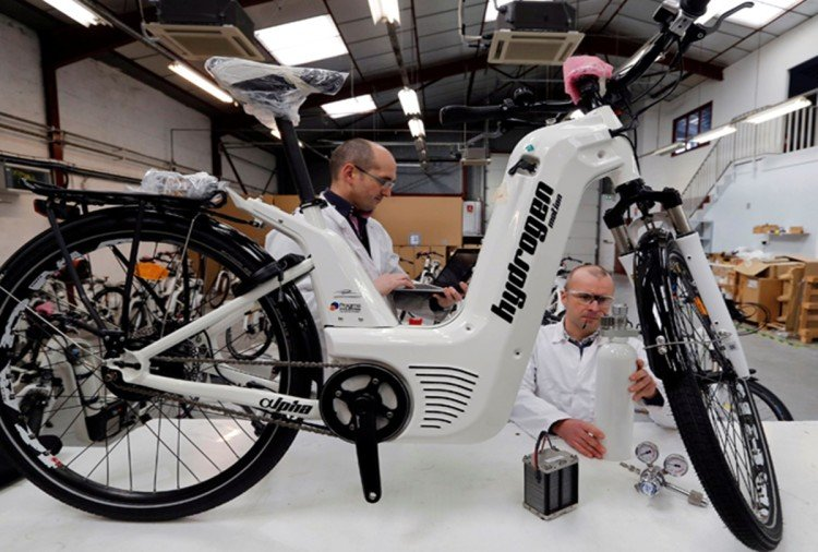 first hydrogen powered cycle
