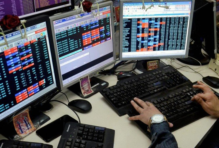 sensex closes after 561 points down, nifty plunges too below 10500 mark