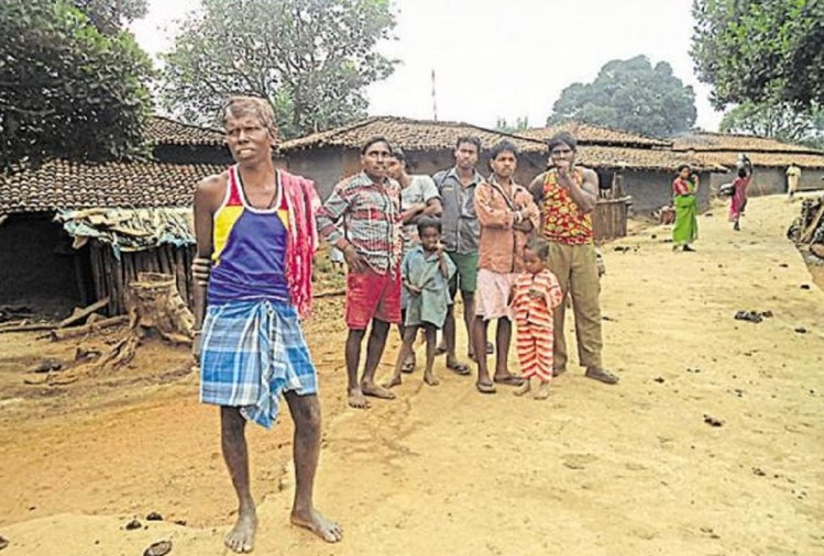 pathalgadi movement increasing day bey day in chhattisgarh, officials were mortgage by tribals