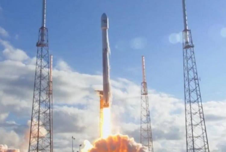 Space X launches the most powerful Falcon Rocket