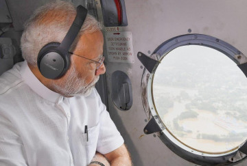 pm in flood affected kerala, all wings of forces engaged in rescue oprrations